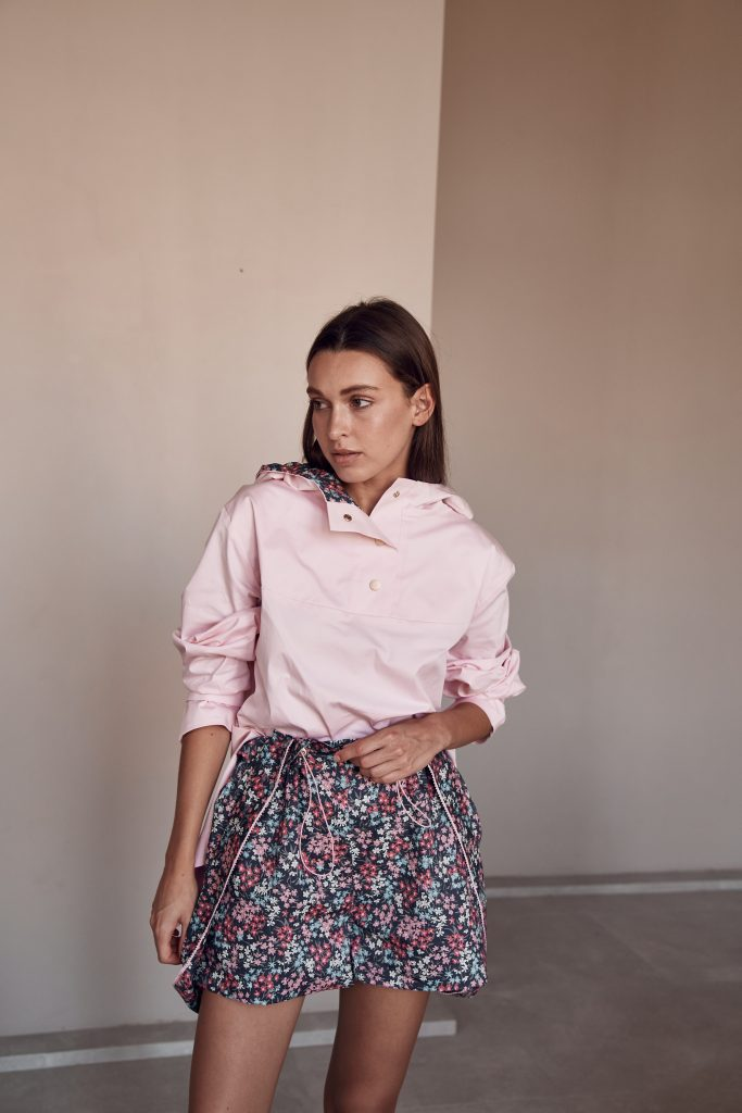 Розовые шорты с лямками Текапо