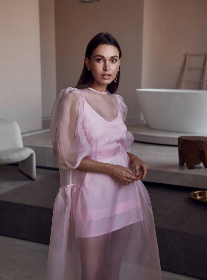 Pink dress Uyuni